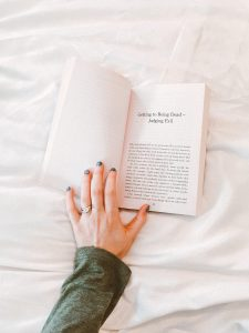 There are two main reasons to follow an evening routine; to wind down from the day and to make your morning easier. You'll fall asleep much easier if you calm your mind and have some relaxing time,